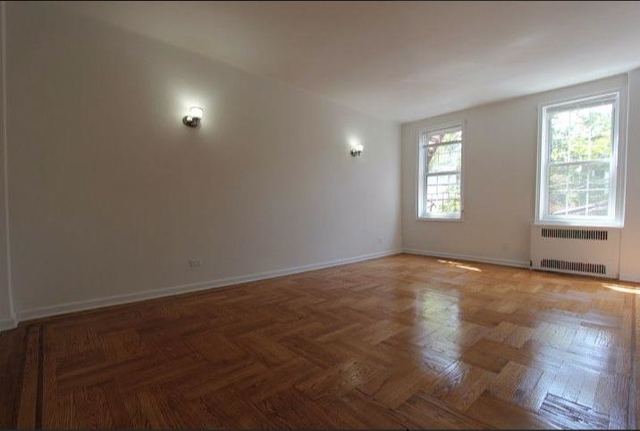 2 Bedrooms, Sunnyside Rental in NYC for $2,850 - Photo 2