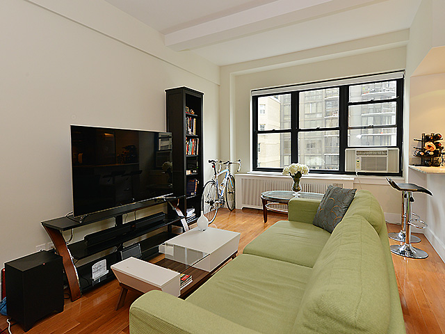 1 Bedroom, Sutton Place Rental in NYC for $4,350 - Photo 2