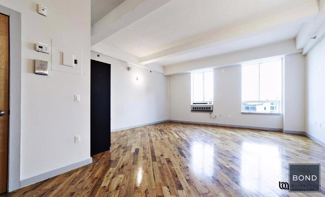 1 Bedroom, Long Island City Rental in NYC for $2,400 - Photo 2