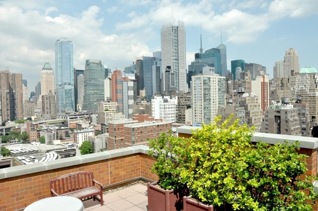 1 Bedroom, Hell's Kitchen Rental in NYC for $5,095 - Photo 2