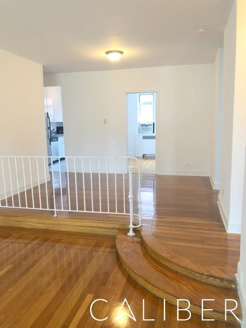3 Bedrooms, Hell's Kitchen Rental in NYC for $5,195 - Photo 2