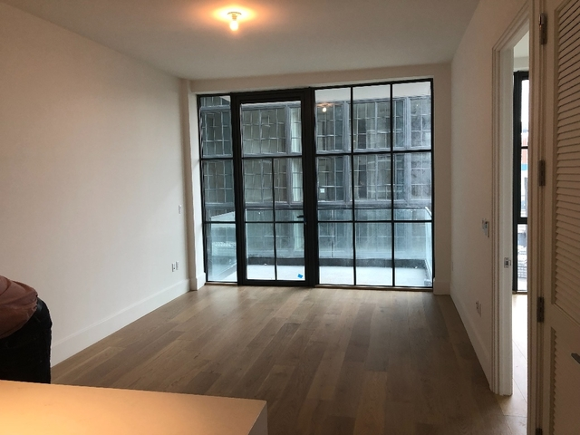2 Bedrooms, Long Island City Rental in NYC for $3,700 - Photo 2