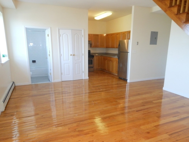 2 Bedrooms, South Slope Rental in NYC for $3,900 - Photo 2