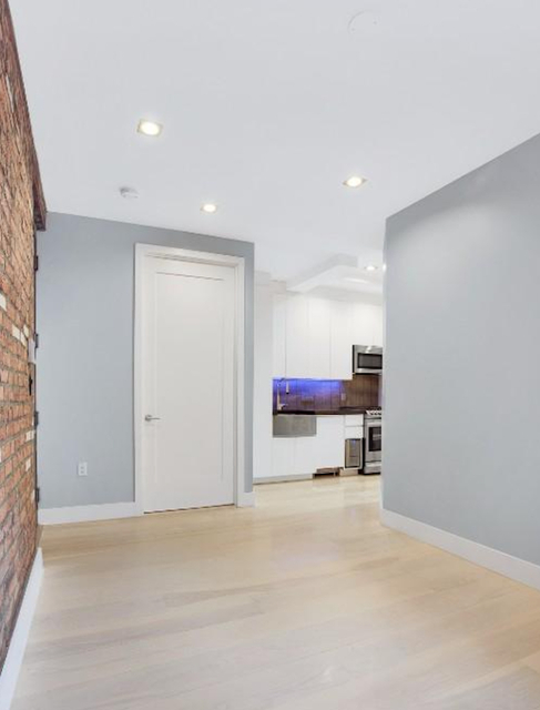 2 Bedrooms, Lower East Side Rental in NYC for $4,200 - Photo 2