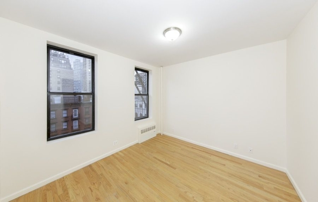 1 Bedroom, Upper East Side Rental in NYC for $2,166 - Photo 2