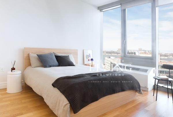 2 Bedrooms, Hell's Kitchen Rental in NYC for $6,295 - Photo 2