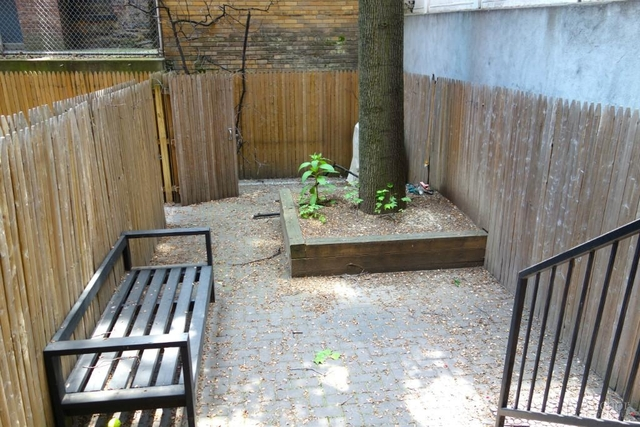 2 Bedrooms, Yorkville Rental in NYC for $4,000 - Photo 2