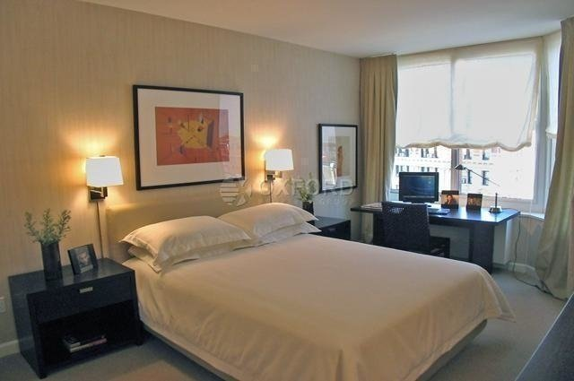 3 Bedrooms, Sutton Place Rental in NYC for $8,000 - Photo 2