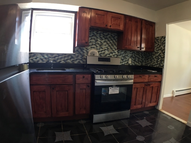3 Bedrooms, Jamaica Hills Rental in NYC for $2,500 - Photo 2
