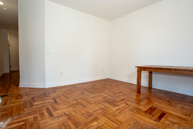 3 Bedrooms, Crown Heights Rental in NYC for $2,988 - Photo 2