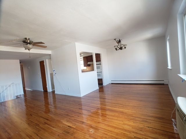 3 Bedrooms, Steinway Rental in NYC for $2,600 - Photo 2