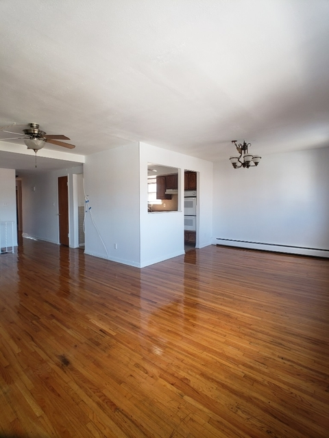 3 Bedrooms, Steinway Rental in NYC for $2,600 - Photo 1