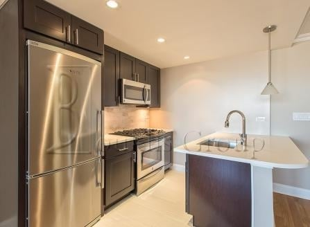 2 Bedrooms, Tribeca Rental in NYC for $5,376 - Photo 2