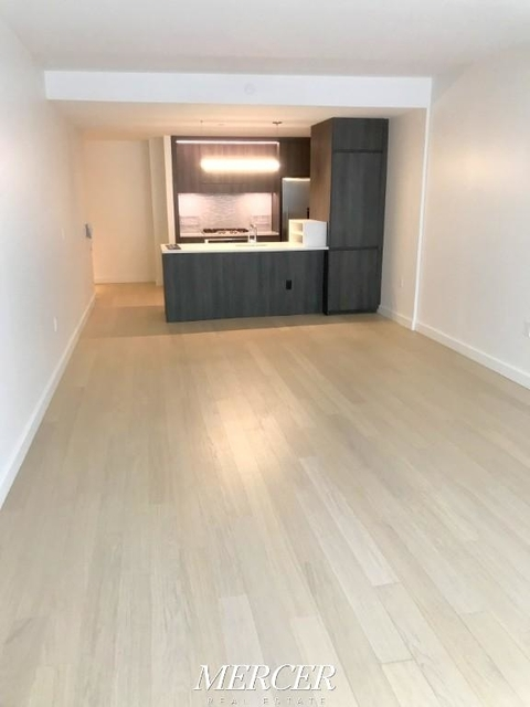 2 Bedrooms, Hell's Kitchen Rental in NYC for $6,200 - Photo 2