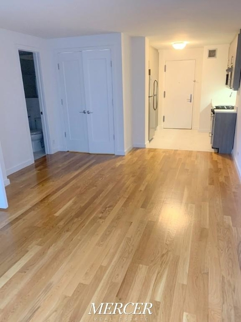1 Bedroom, Hell's Kitchen Rental in NYC for $3,400 - Photo 2