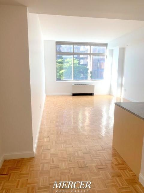 Studio, Hell's Kitchen Rental in NYC for $2,825 - Photo 1