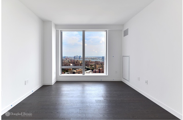 1 Bedroom, Two Bridges Rental in NYC for $4,500 - Photo 1