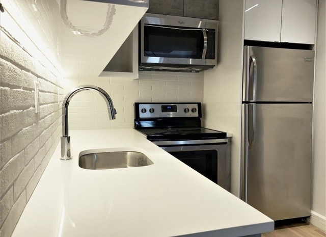 2 Bedrooms, Williamsburg Rental in NYC for $3,850 - Photo 2