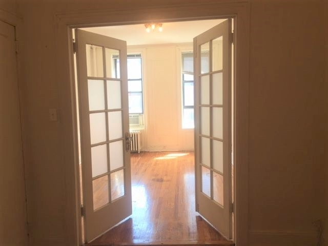 2 Bedrooms, Yorkville Rental in NYC for $2,495 - Photo 1