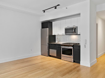 Studio, Financial District Rental in NYC for $3,857 - Photo 2