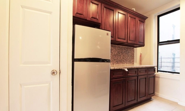 3 Bedrooms, Fort George Rental in NYC for $2,475 - Photo 2