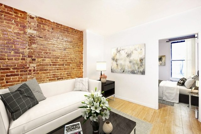 3 Bedrooms, Hell's Kitchen Rental in NYC for $4,350 - Photo 1
