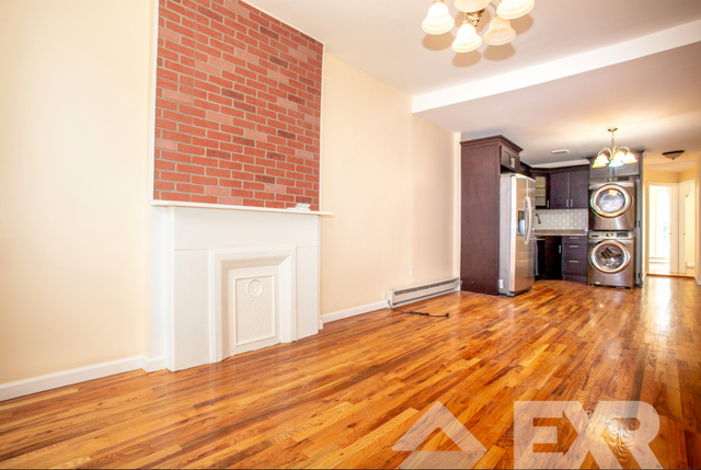 3 Bedrooms, Bedford-Stuyvesant Rental in NYC for $2,789 - Photo 2