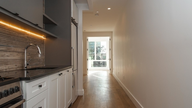 2 Bedrooms, East Williamsburg Rental in NYC for $2,995 - Photo 2