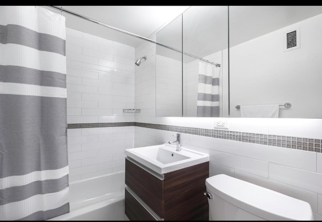 2 Bedrooms, Chelsea Rental in NYC for $5,395 - Photo 2