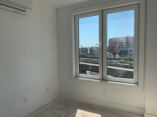 3 Bedrooms, Bushwick Rental in NYC for $3,750 - Photo 1