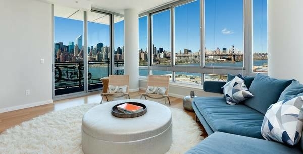 2 Bedrooms, Hunters Point Rental in NYC for $5,995 - Photo 1