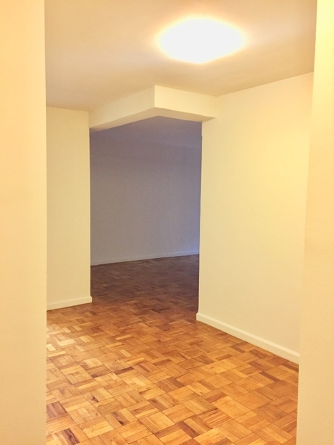 1 Bedroom, Turtle Bay Rental in NYC for $3,595 - Photo 2