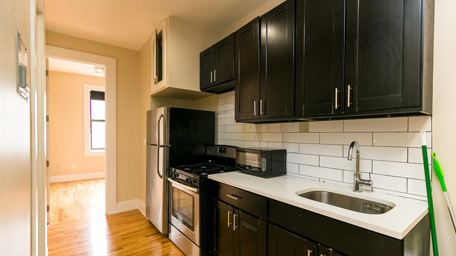 3 Bedrooms, Bushwick Rental in NYC for $2,699 - Photo 2