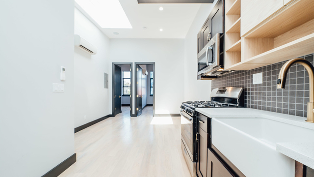 3 Bedrooms, Bushwick Rental in NYC for $4,195 - Photo 1