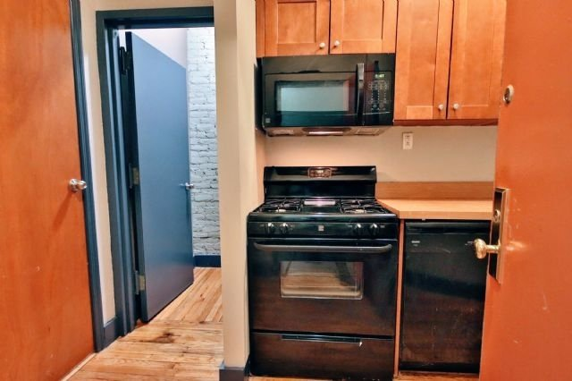2 Bedrooms, Alphabet City Rental in NYC for $3,465 - Photo 2