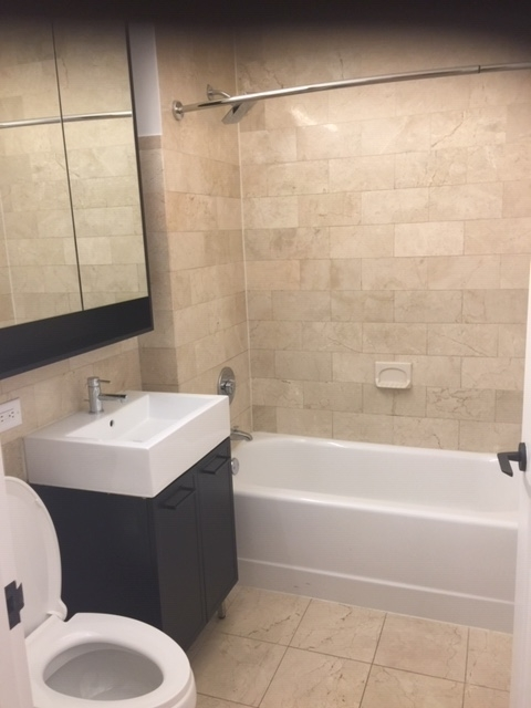 2 Bedrooms, Financial District Rental in NYC for $4,025 - Photo 1
