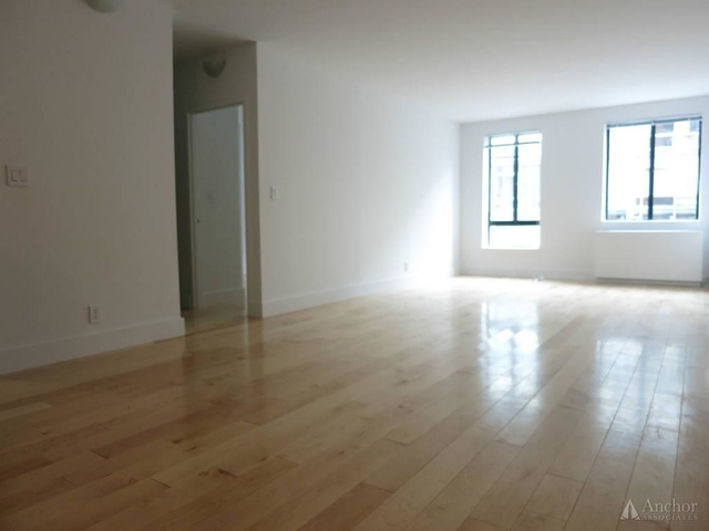 2 Bedrooms, Hell's Kitchen Rental in NYC for $4,150 - Photo 1