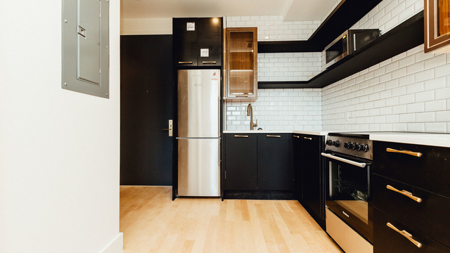 2 Bedrooms, Bushwick Rental in NYC for $3,100 - Photo 2