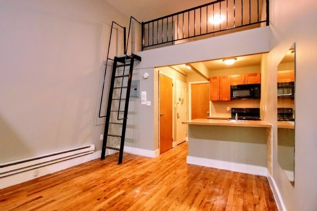 2 Bedrooms, East Village Rental in NYC for $2,775 - Photo 1