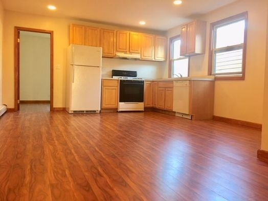 3 Bedrooms, Greenwood Heights Rental in NYC for $3,150 - Photo 1