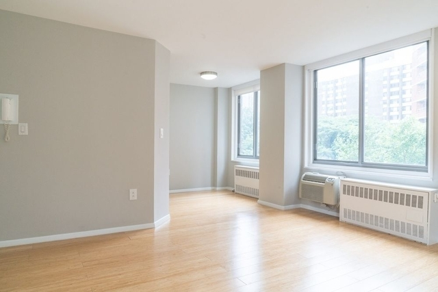 2 Bedrooms, Upper East Side Rental in NYC for $4,345 - Photo 2