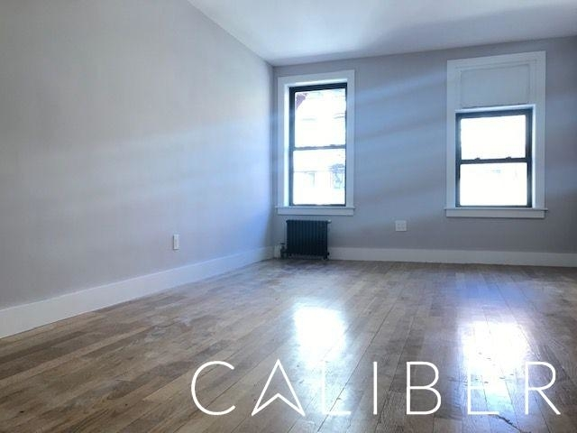 Studio, Sutton Place Rental in NYC for $2,378 - Photo 2