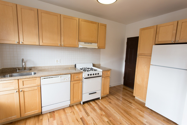 Studio at 4726-4740 South Woodlawn Ave. - Photo 13