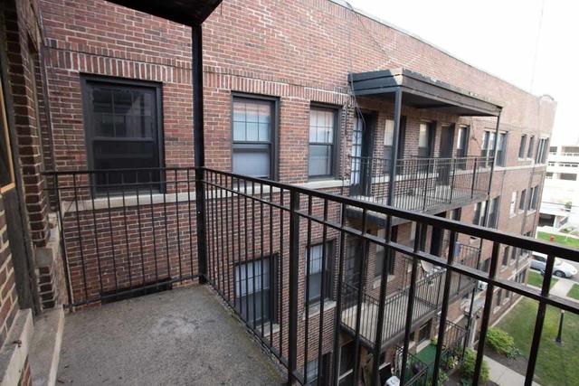 1BR at 5202-5210 S. Cornell Avenue - Photo 6