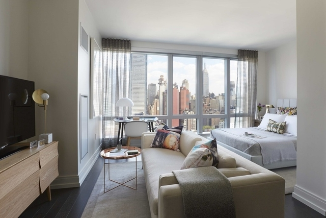 Studio, Hell's Kitchen Rental in NYC for $3,307 - Photo 1