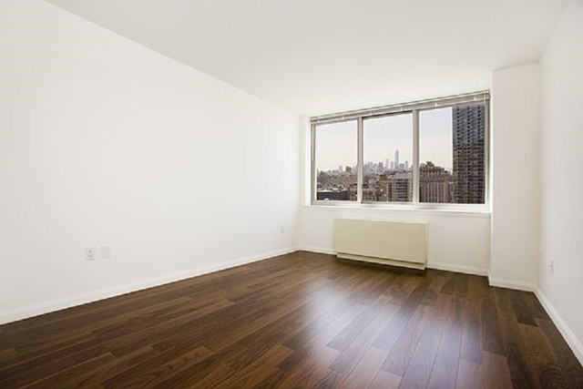 1 Bedroom, Hell's Kitchen Rental in NYC for $3,474 - Photo 2