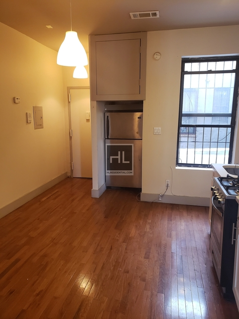 2 Bedrooms, Crown Heights Rental in NYC for $1,800 - Photo 2