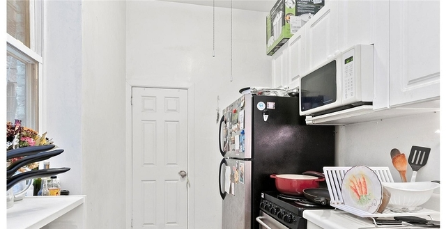 3 Bedrooms, East Village Rental in NYC for $4,800 - Photo 2