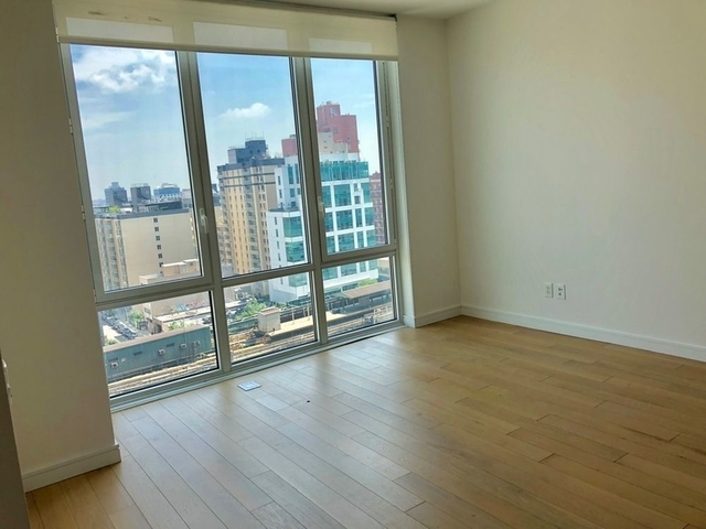 Studio, Long Island City Rental in NYC for $2,477 - Photo 1