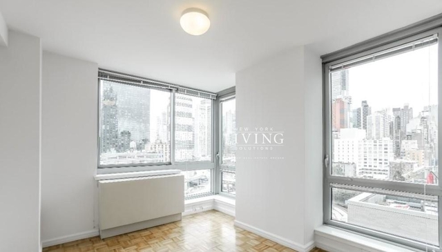 Studio, Hell's Kitchen Rental in NYC for $4,040 - Photo 1
